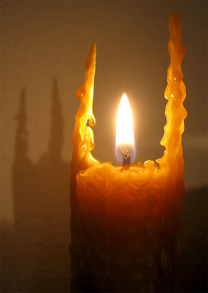 Bee-wax-candle-burning